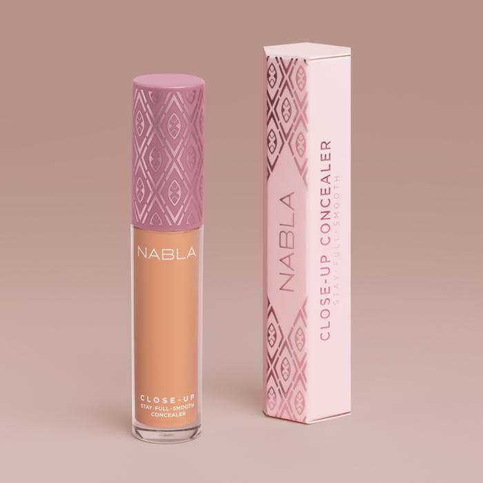 close-up-concealer-medium-peach-4-1500px